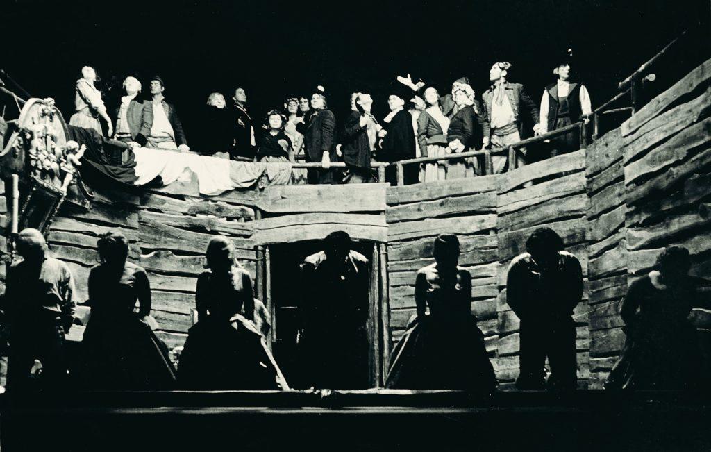 Pozvání k účasti na panelové diskusi Divadelní fotografie jako pramen teatrologického výzkumu