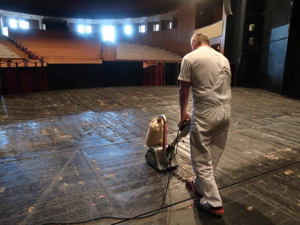 Do nové sezony vstoupí zlínské divadlo s modernějším osvětlením jeviště
