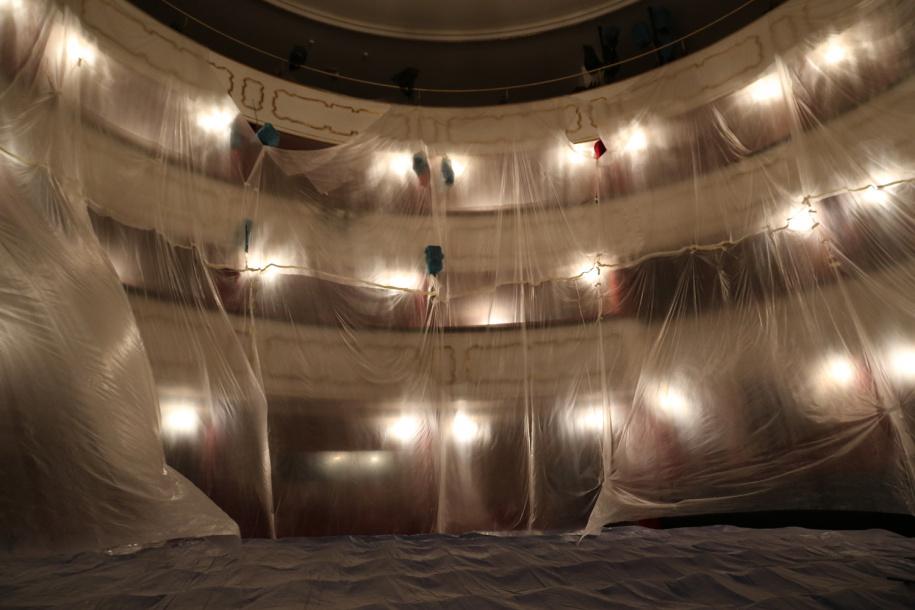 Moravské divadlo Olomouc bude mít nové propadlo, diváci v první řadě více místa pro nohy