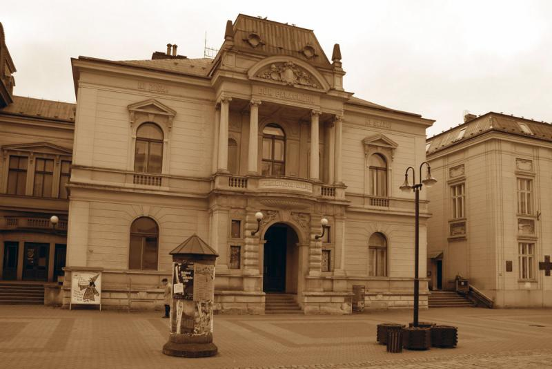 Studie nákladné rekonstrukce Masarykova divadla v Jičíně vyjde vstříc místním divadelníkům