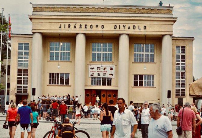 V Hronově začal festival amatérského divadla