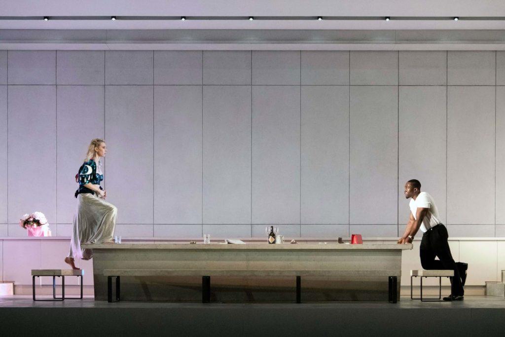 Vanessa Kirby zve do kina Aero na svůj osudový večírek v moderní verzi slečny Julie