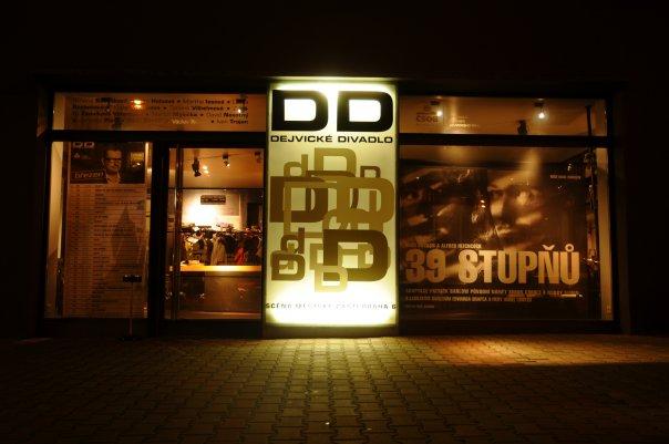 Dejvické divadlo připravilo pro novou sezonu dvě premiéry a komponovaný večer