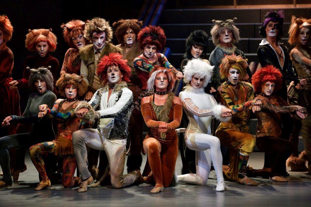 Muzikál Kočky je první premiérou sté sezony Národního divadla moravskoslezského