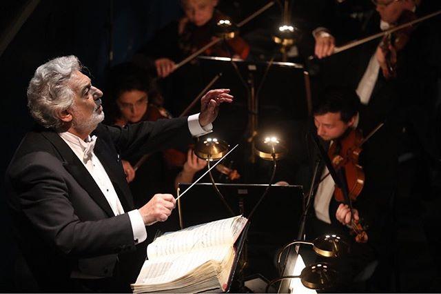Plácido Domingo bude dirigovat koncert Mozartovy narozeniny ve Stavovském divadle