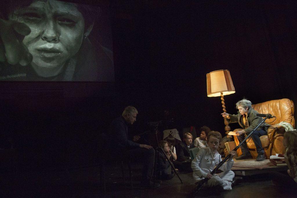 Mezinárodní festival dokumentárního divadla AKCENT uvede oceňovanou inscenaci Five Easy Pieces