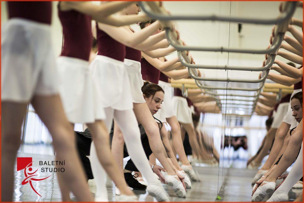 Děti z baletního studia Národního divadla moravskoslezského vystoupí se souborem Royal Moscow Ballet