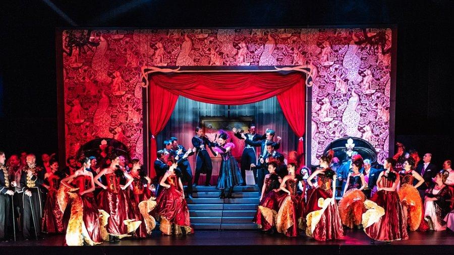 Divadlo J. K. Tyla uvede v koprodukci s Hudebním divadlem Karlín operetu Franze Lehára Veselá vdova