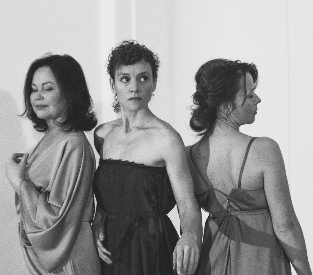 Soubor ProART Company v koprodukci s Tanzkompanie Golde G.  připravil scénickou báseň  o Emě Destinnové