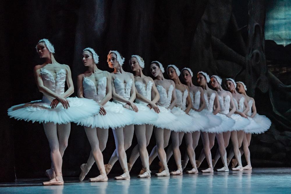 Balet Národního divadla uvede Labutí jezero v choreografii Johna Cranka