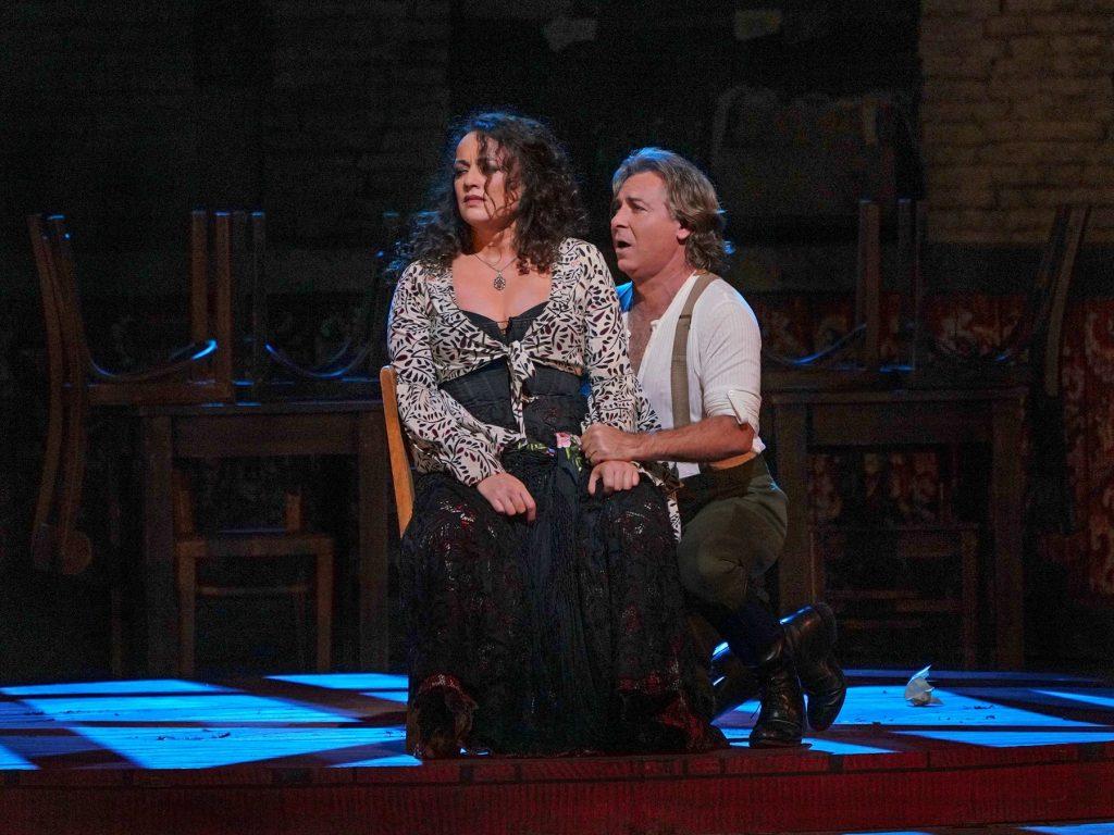 Slavná Carmen se vrací mezi přímé přenosy z Metropolitní opery