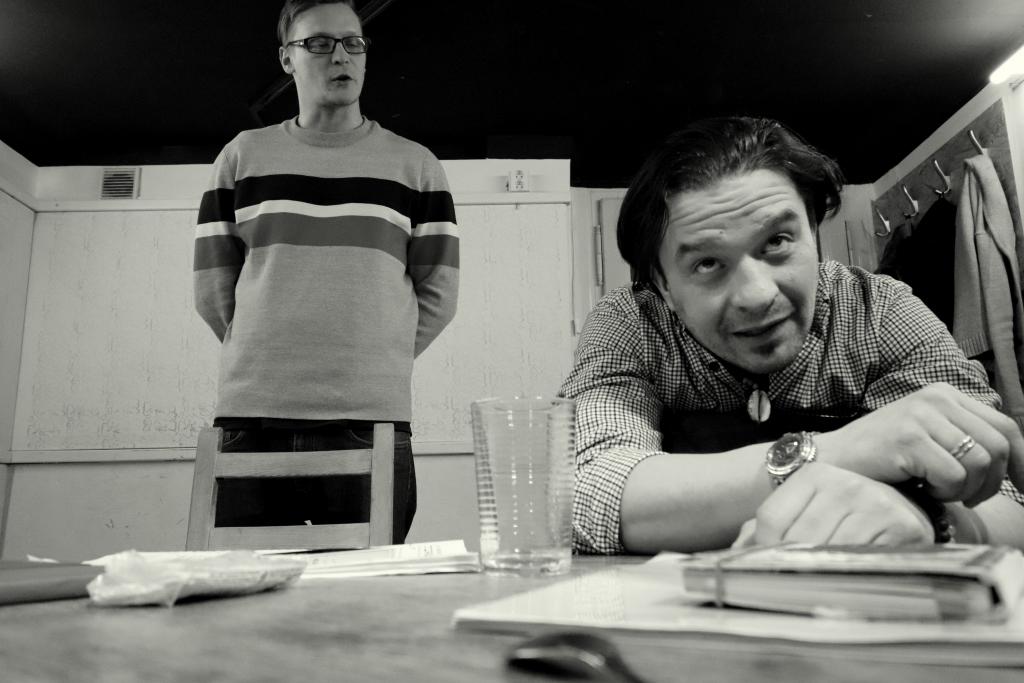 Divadlo 6-16 uvede v české premiéře hru Craiga Baxtera Hard Sell