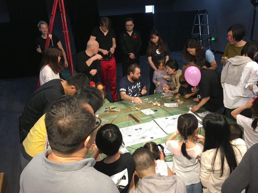 Naivní divadlo Liberec se úspěšně představilo v čínském Shenzhenu