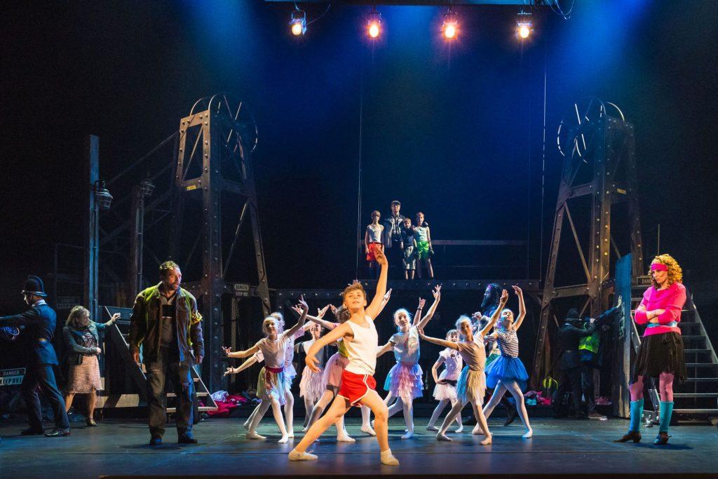 Divadlo J. K. Tyla uvede jako první vČR proslulý muzikál skladatele a zpěváka Eltona Billy Elliot