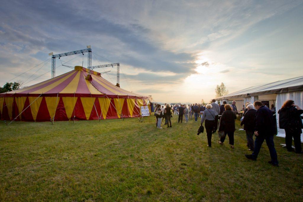 Divadelní festival Letní Šapitó hlásí změny v programu