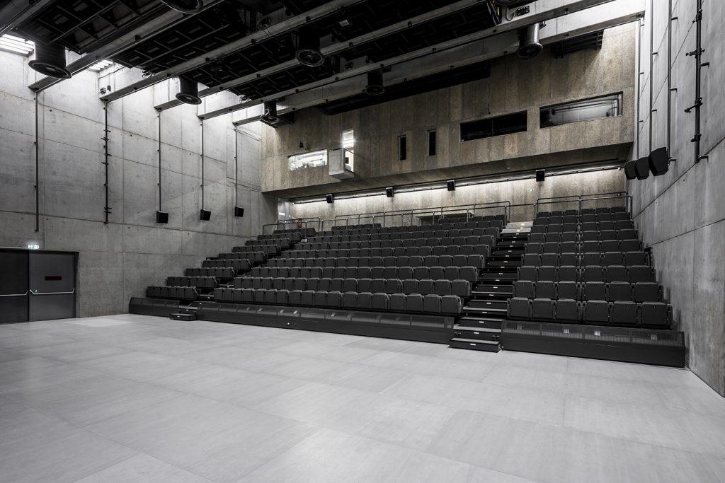 Multifunkční sál DOX+ v pražských Holešovicích získal cenu na Pražském Quadriennale