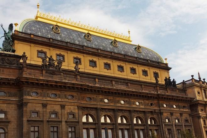 Odborové organizace Opery Národníhodivadla a Státní opery ve středu vyhlásily stávkovou pohotovost