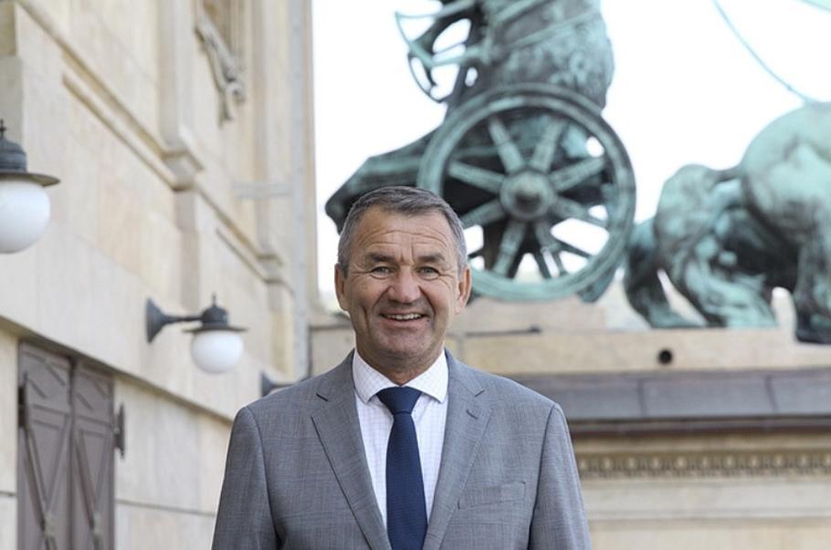 Nastupuje nový umělecký ředitel Opery Národního divadla a Státní opery