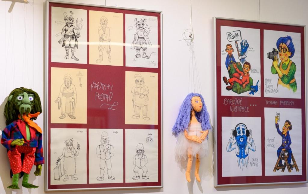 Výtvarník a loutkář David Velčovský vystavuje svou tvorbu ve Frenštátě pod Radhoštěm