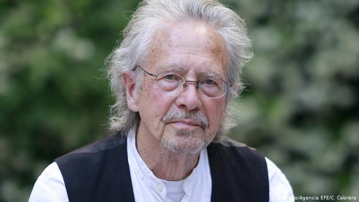 Rakouský spisovatel, básník a dramatik PeterHandke získal Nobelovu cenu za literaturu