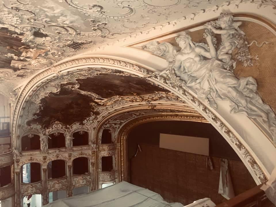 Rekonstrukce Státní opery vrcholí