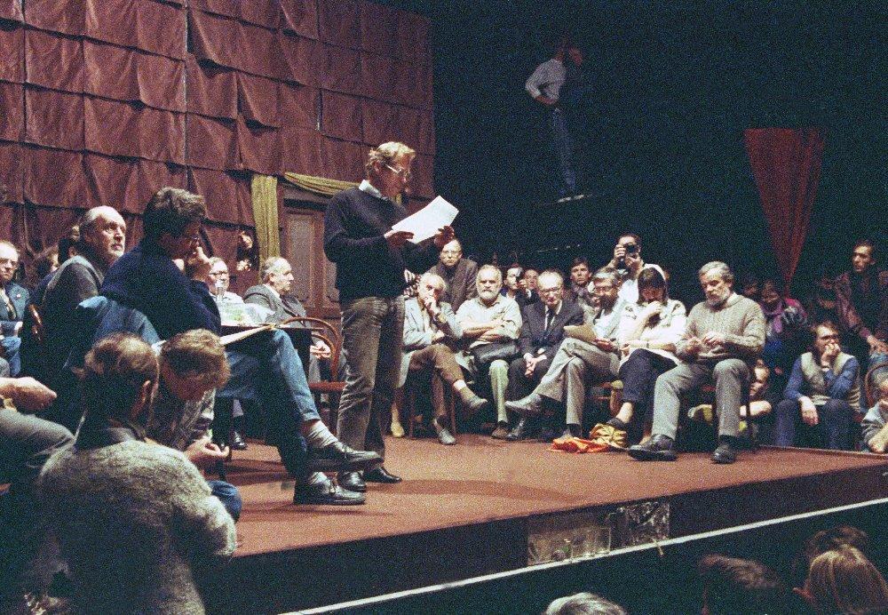 Výstava Vznik Občanského fóra v Činoherním klubu