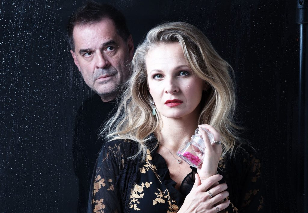 Vršovické divadlo Mana uvede ve světové premiéře detektivku Marka Epsteina Mléčné sklo