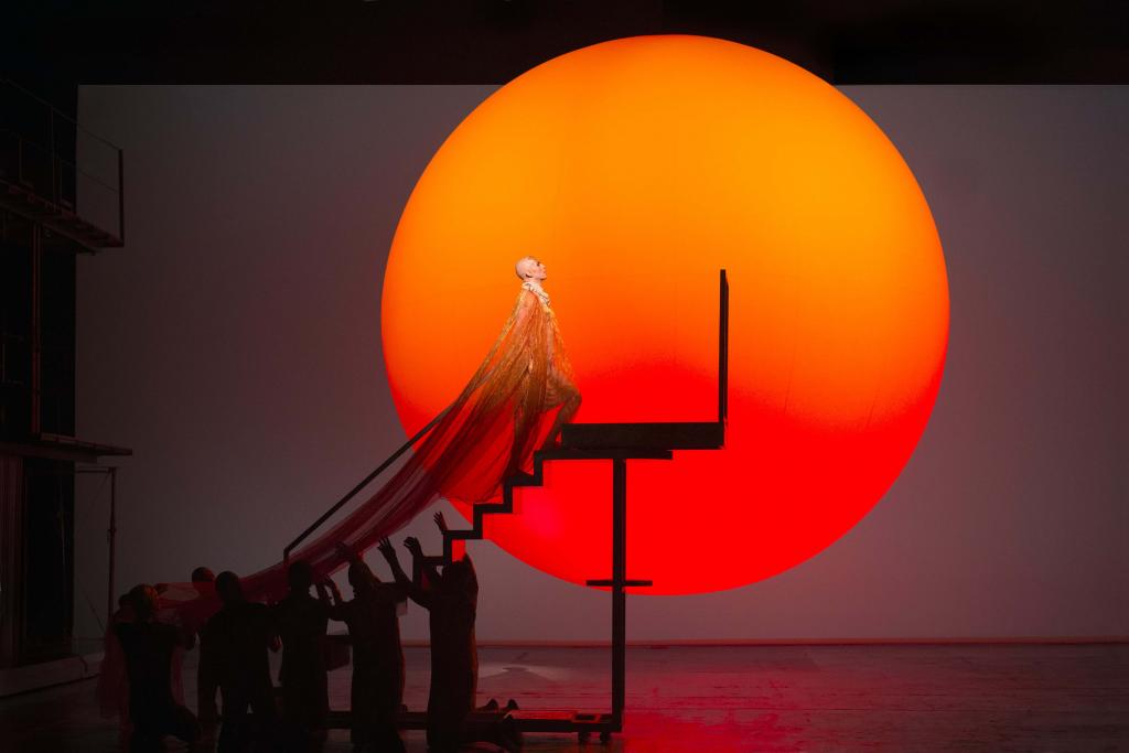 Achnaton legendárního Philipa Glasse zazní v Metropolitní opeře
