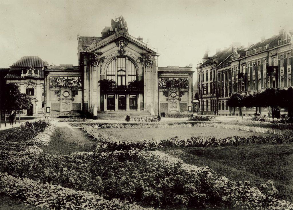 Východočeské divadlo Pardubice slaví 110. výročí svého otevření