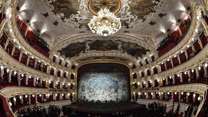 Státní opera se po rekordně krátké tříleté rekonstrukci opět otevírá veřejnost