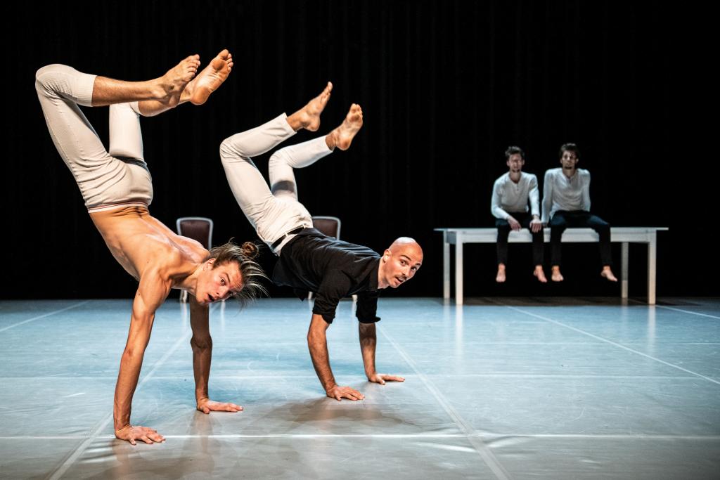 Festival Cirkopolis přiveze intimní bytový cirkus, brilantní akrobacii i legendárního žongléra Jaye Gilligana