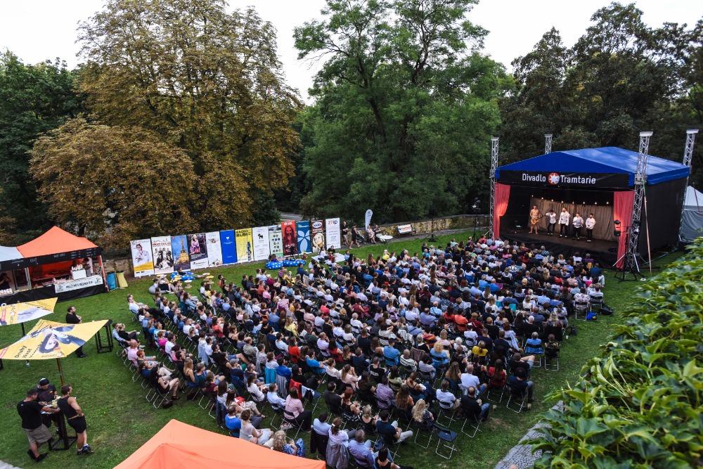 """Divadlo Tramtarie už popáté pořádá letní open-air festival Olomoucké """"nejen"""" shakespearovské léto"""