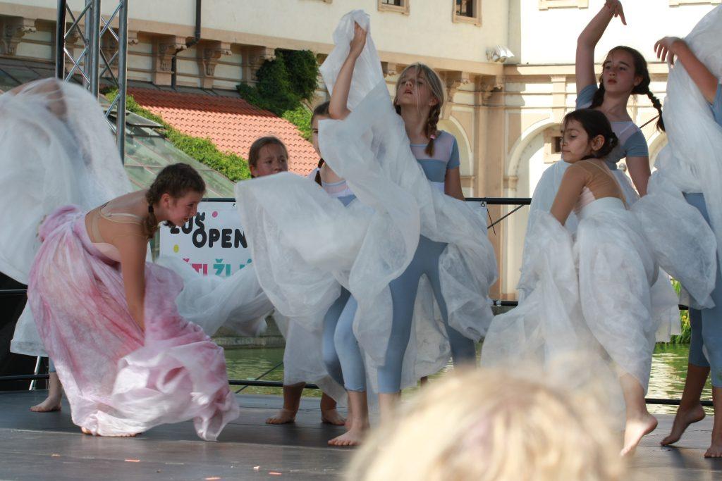 ZUŠ Open chystá velké společné akce základních uměleckých škol na podzim, děti zaplní i katedrálu sv. Víta
