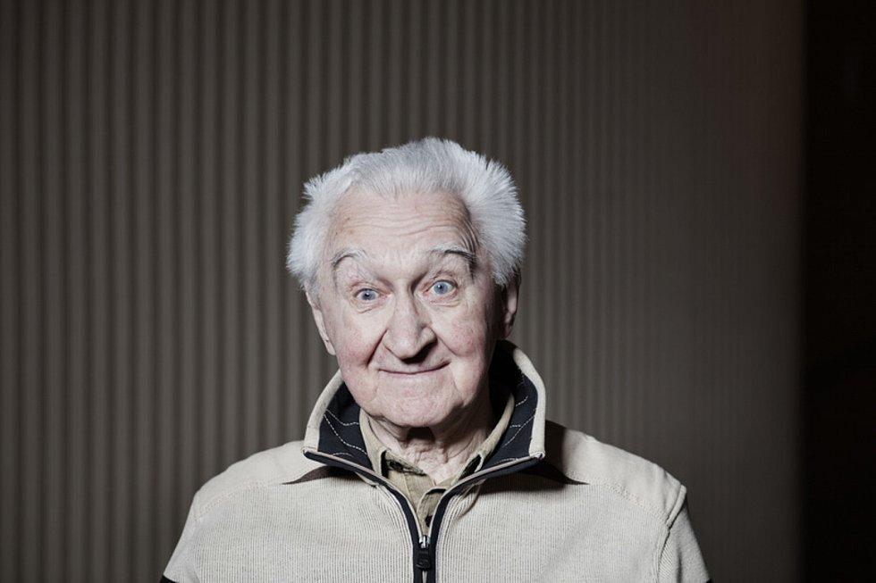 Ve věku 95 let zemřel herec a výtvarník Miloš Nesvadba