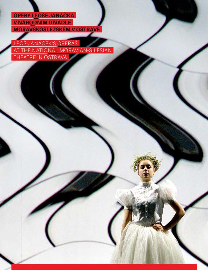 Patnáct inscenací oper Leoše Janáčka na jevišti NDM ve fotografiích