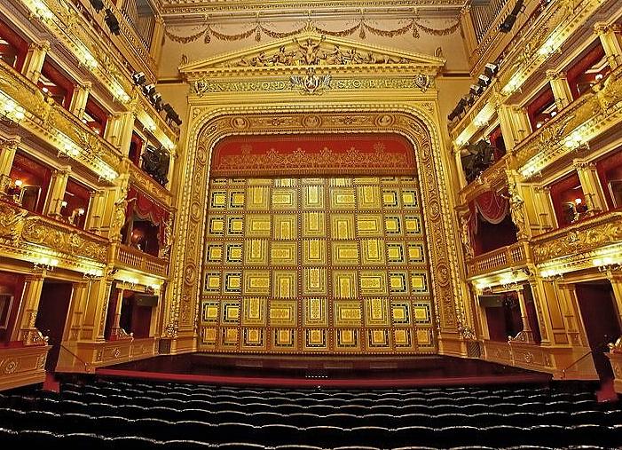 V Národním divadle mají patnáct zaměstnanců s covidem-19