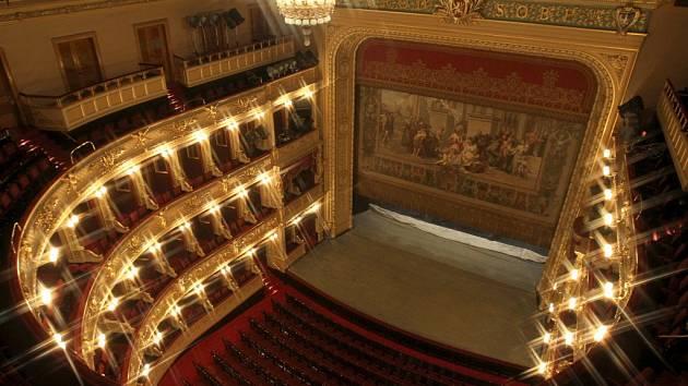 Národní divadlo ruší 14 operních představení ve 14 dnech