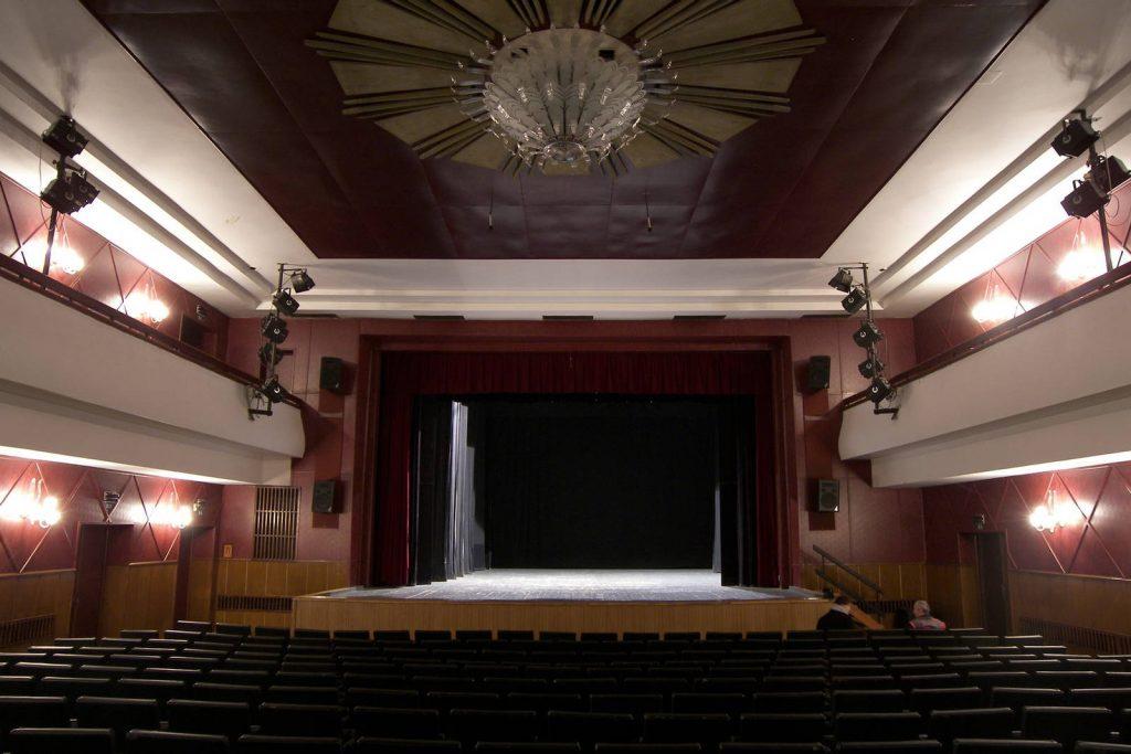 Rekonstrukce Jiráskova divadla v České Lípě bude levnější