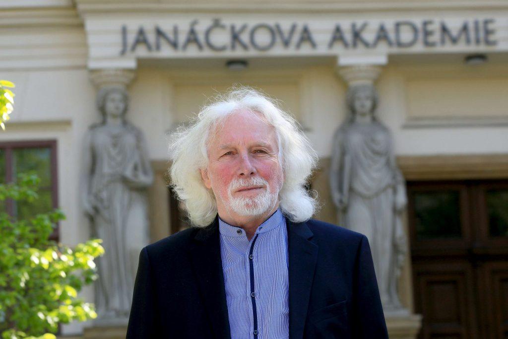 Podpůrná vyjádření JAMU a AMU k situaci na Univerzitě divadelních a filmových umění v Budapešti