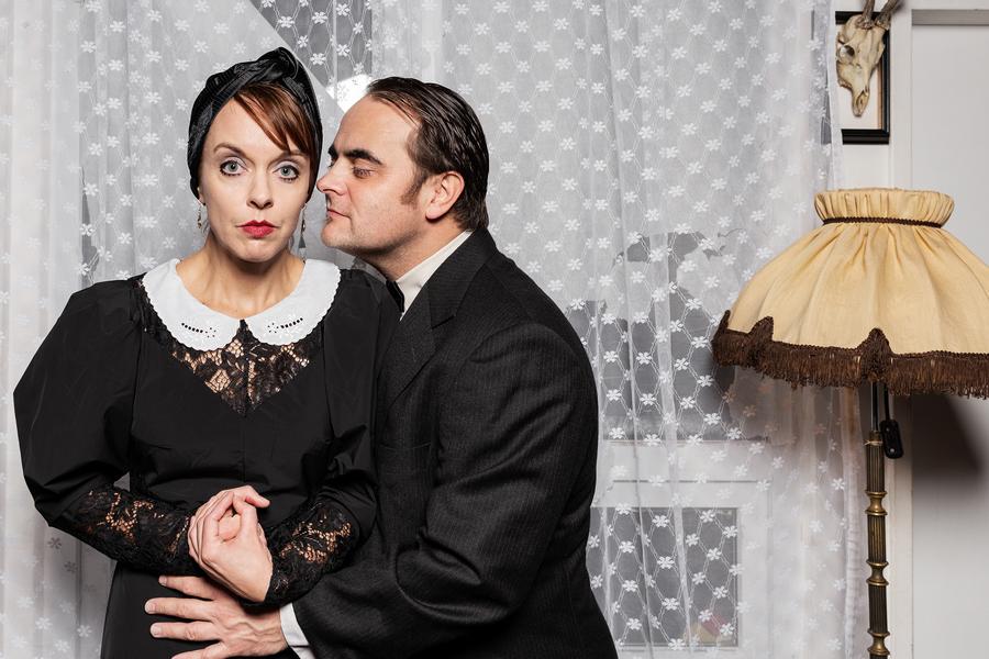 Divadlo D21 odehraje premiéru inscenace Spalovač mrtvol bez účasti diváků