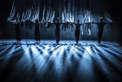Soubor 420PEOPLE je součástí evropského projektu CLASH!, který přiblíží krásu propojení klasického a současného tance v rámci online festivalu