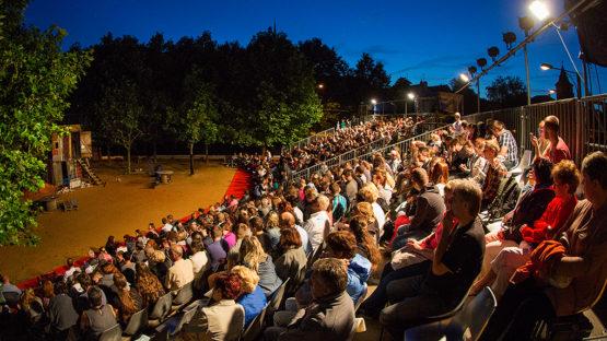 Divadelní léto pod plzeňským nebem nabídne Romea a Julii Spolku Kašpar