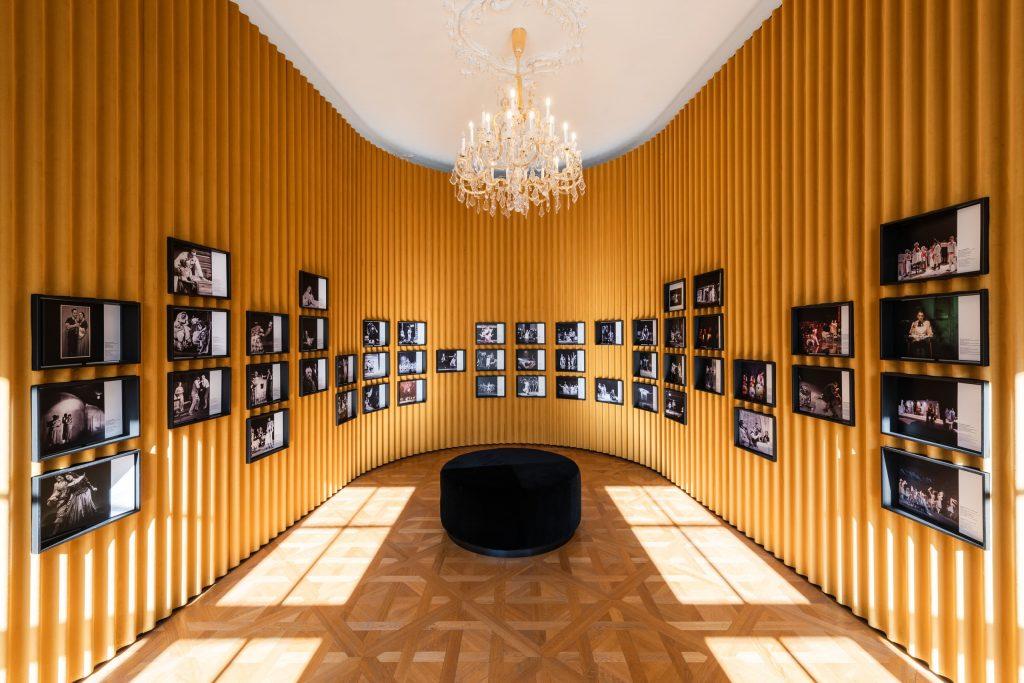 Výstava Divadelné storočie – stopy a postoje je po štyroch mesiacoch opäť prístupná verejnosti