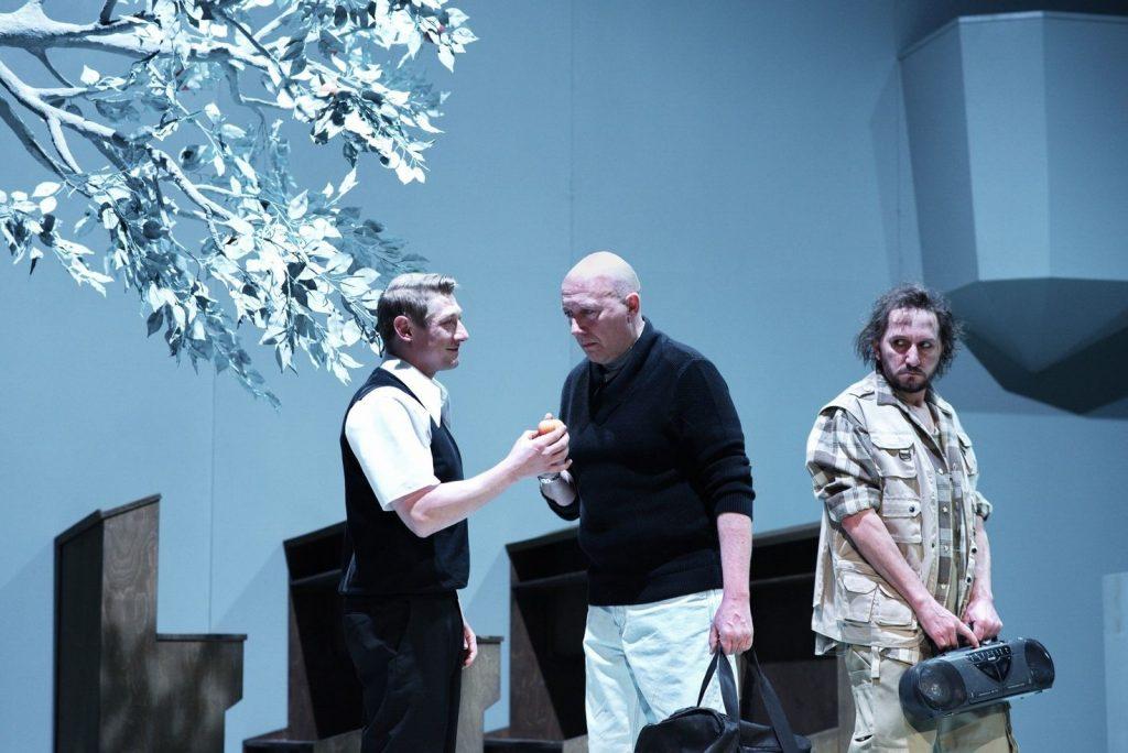Švandovo divadlo uvede inscenaci Adamova jablka, střetne se v ní Robert Jašków s Jacobem Erftemeijerem