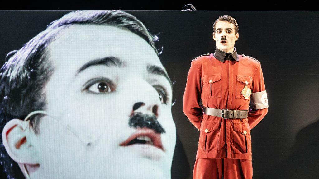 Městská divadla pražská uvedou divadelní adaptaci Chaplinova filmu Diktátor
