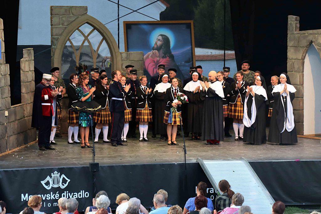 Umělci Moravského divadla v létě kočovali po Olomouckém kraji