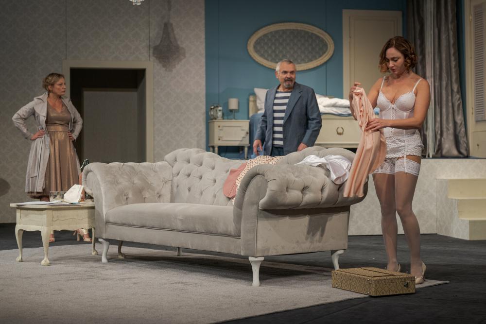 Polská scéna Těšínského divadla na Karvinsku uvede premiéru inscenace Soukromá klinika